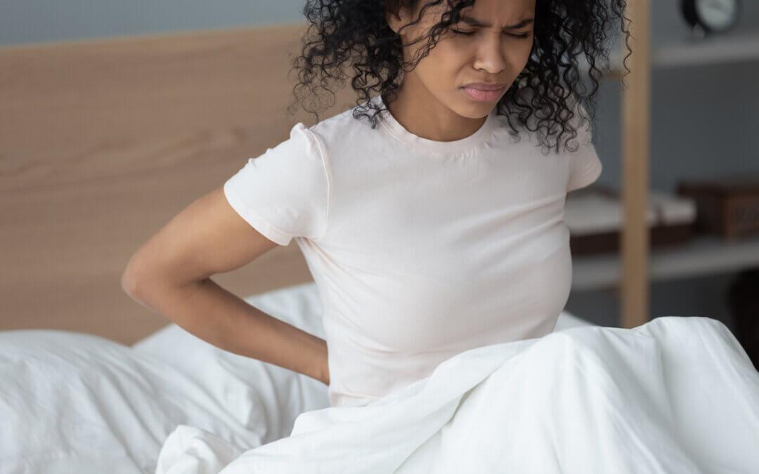 Rugklachten door kuilvorming in het matras